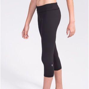 Ivivva Girls Cropped Black Leggings 8 Pants Black